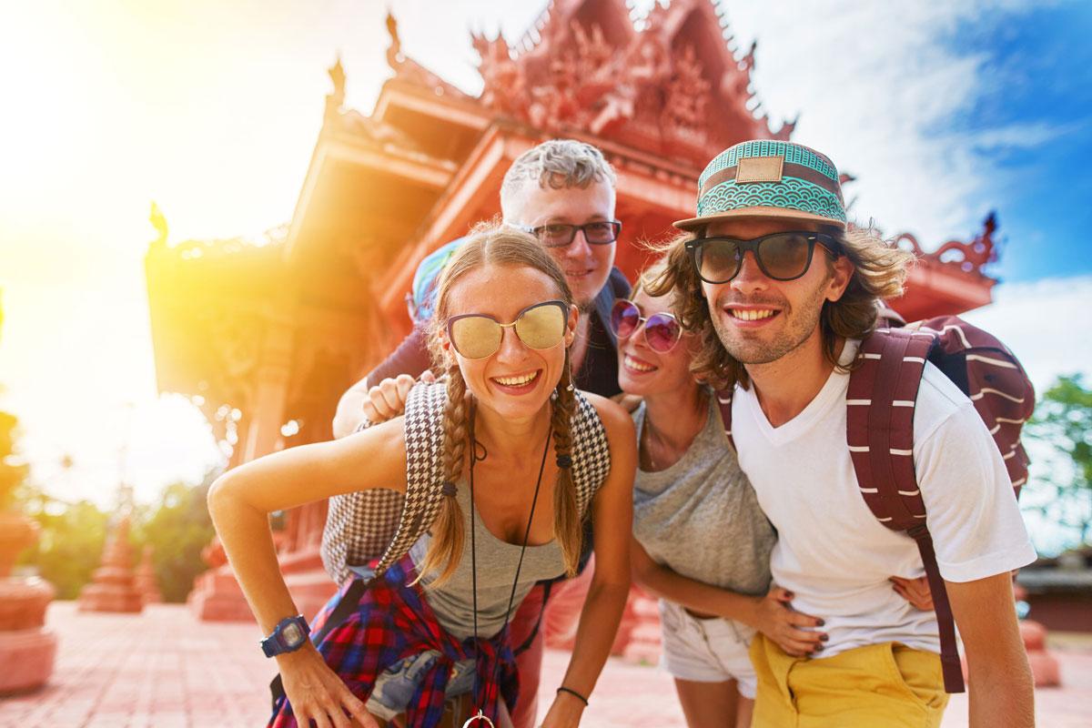 Картинка о путешественниках